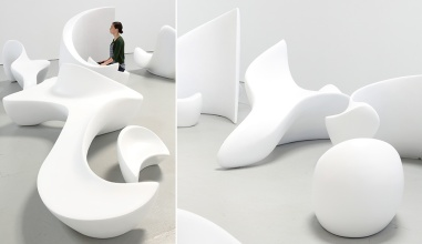Azure-Arabic-Letters-As-Sculptural-Loungers-01