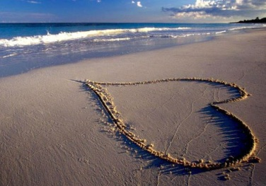 Beautiful-Love-Heart-On-Sand-Wallpaper